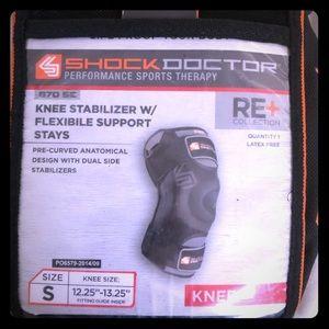 Shock Doctor 870SE knee brace. Never Used